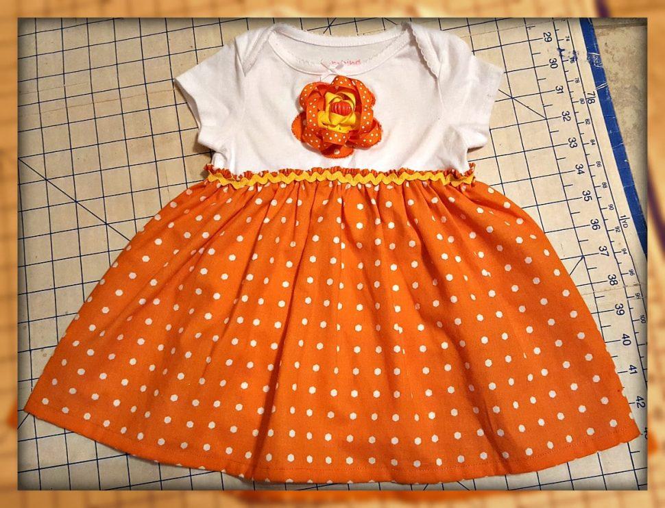 Halloween Inspired Onesie Dress Tutorial for October Craft Destash Challenge from www.thisautoimmunelife.com #onesiedress #tutorial #Halloween