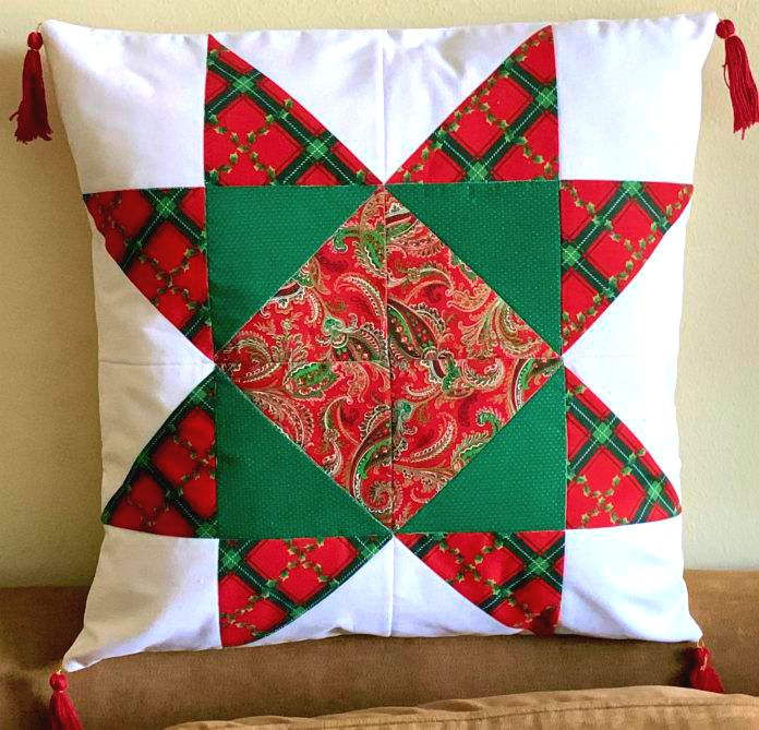 Quilted Christmas Pillow for your holiday decorating from www.thisautoimmunelife.com #Christmas #Quilt #Pillow