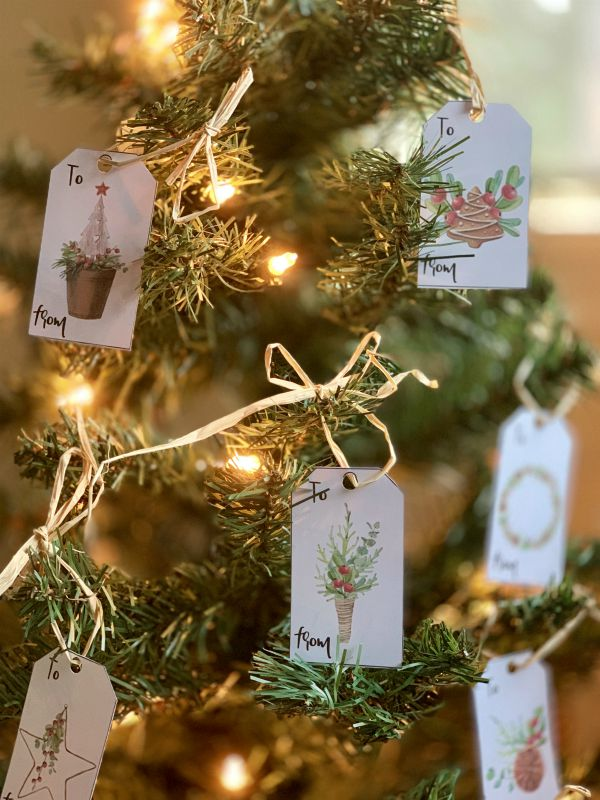 Rustic Christmas Gift Tags from www.thisautoimmunelife.com #rustic #Christmas #free #gifttags